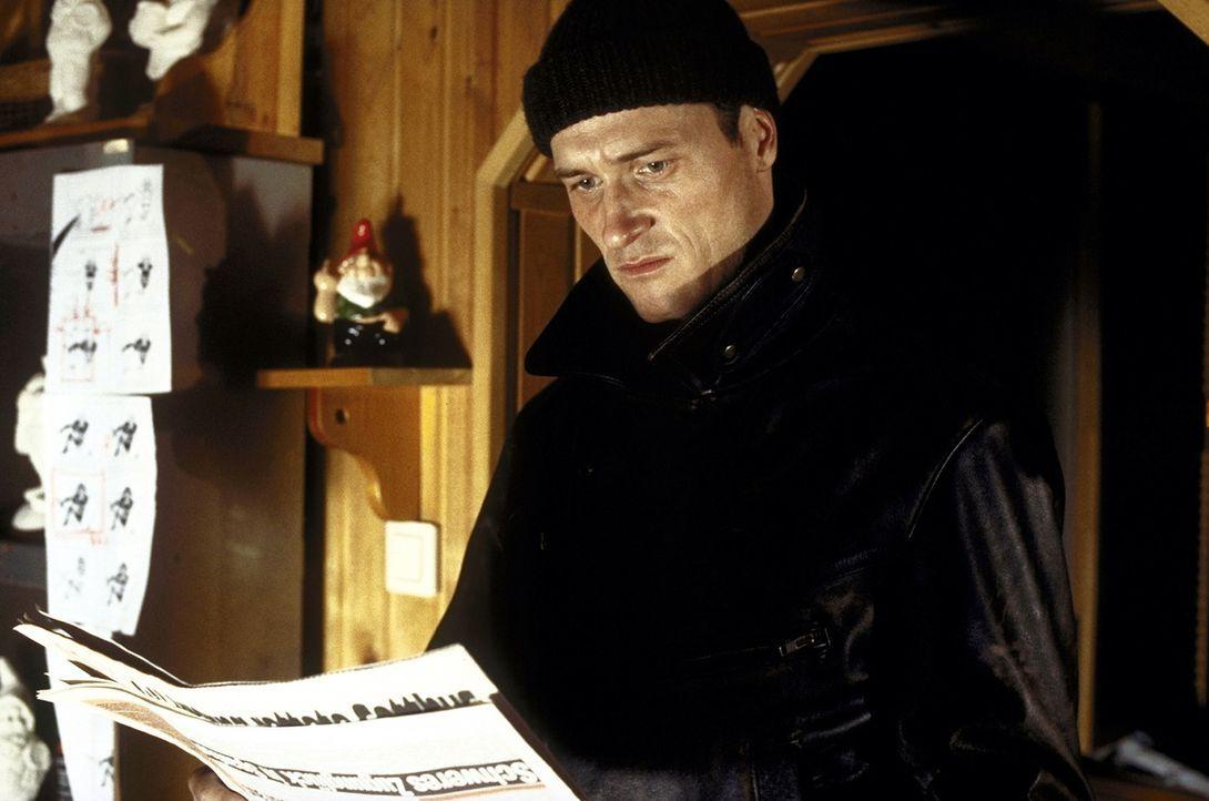 Entsetzt erfährt Heinz (Markus Knüfken), dass ein weiterer Mord geschehen ist - und er als Täter gesucht wird ... - Bildquelle: Norbert Kuhroeber ProSieben
