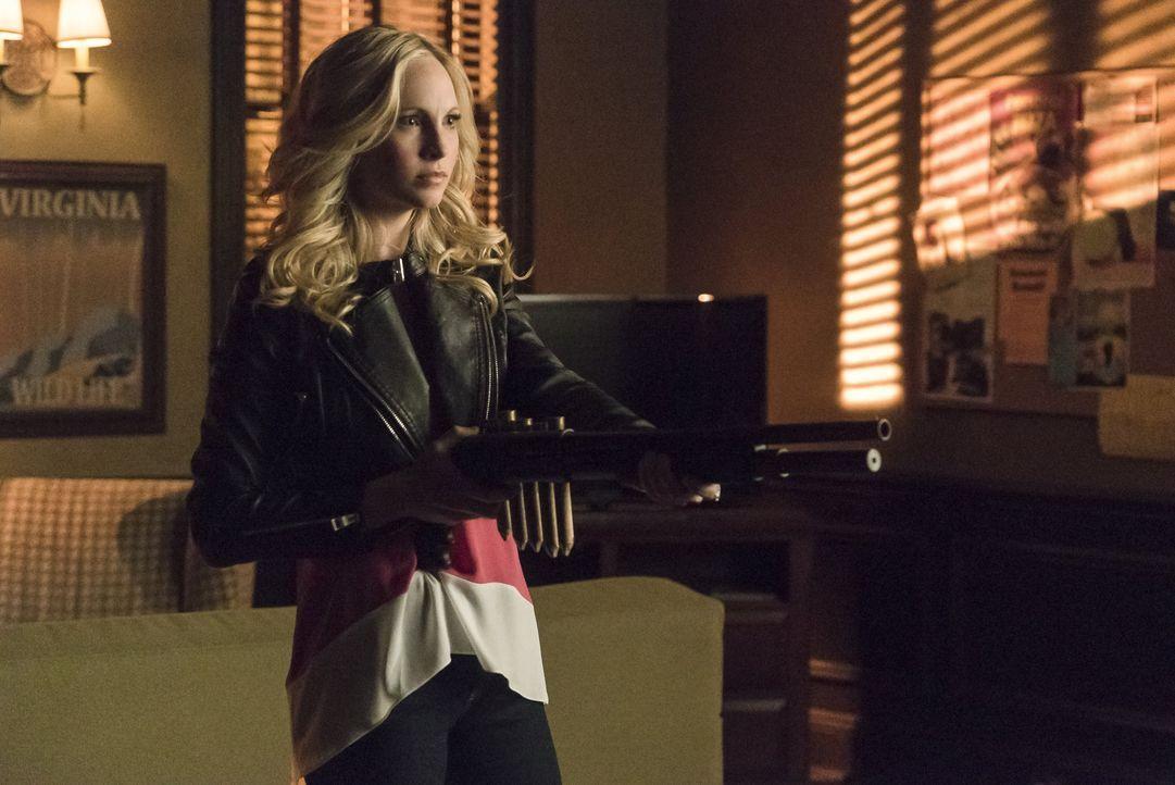 Kann Caroline wieder alles in Ordnung bringen? - Bildquelle: Warner Bros. Entertainment Inc.