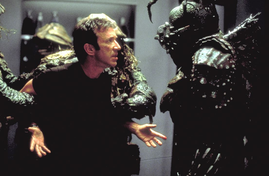 Als Außerirische Commander Jason Nesmith (Tim Allen, M.) entführen, damit er ihren Planeten von einem teuflischen Tyrannen befreit, stellt sich für... - Bildquelle: DreamWorks Distribution LLC