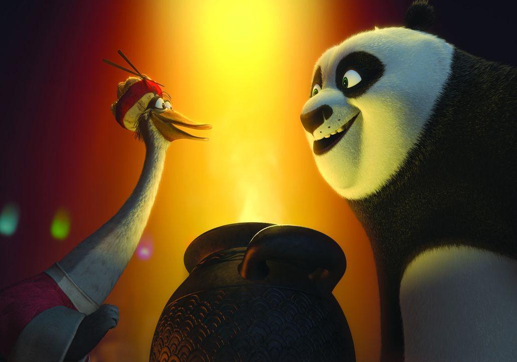 Kung-Fu-Pandabär Po (r.) ist der Gastgeber des diesjährigen exklusiven Winterfestessens, zu dem alle großen Meister des Kung-Fus kommen werden. U... - Bildquelle: 2008 DREAMWORKS ANIMATION LLC. ALL RIGHTS RESERVED.