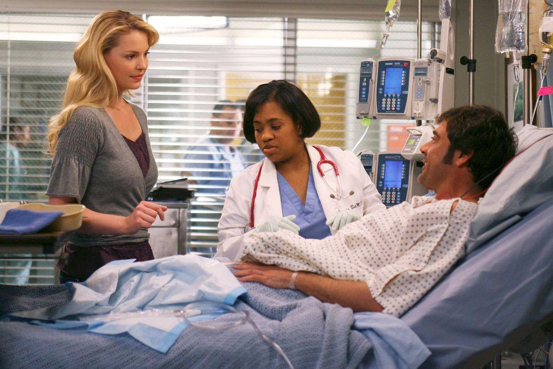 Während Burke nach seiner Operation feststellt, dass die Feinmotorik seiner rechten Hand gestört ist, besucht Izzie (Katherine Heigl, l.) Denny (Jef... - Bildquelle: Touchstone Television