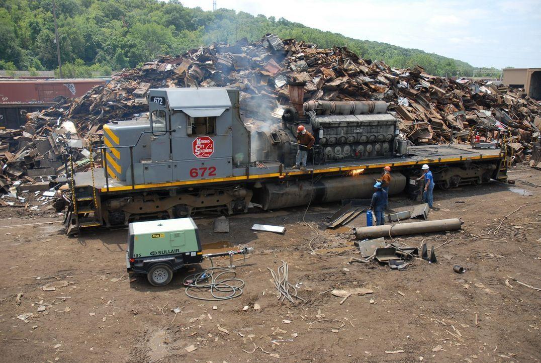 """Dieselloks sind die """"Arbeitspferde"""" unter den Schienenfahrzeugen. Eisenbahngesellschaften bevorzugen sie, da sie keine teuren und wartungsanfälligen... - Bildquelle: Louie, Tobias NGT"""