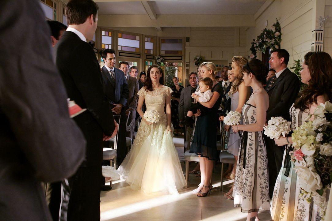 Aus der Verlobung von Paige (Rose McGowan, M.) und Henry (Ivan Sergei, l.) wurde eine Heirat ... - Bildquelle: Paramount Pictures
