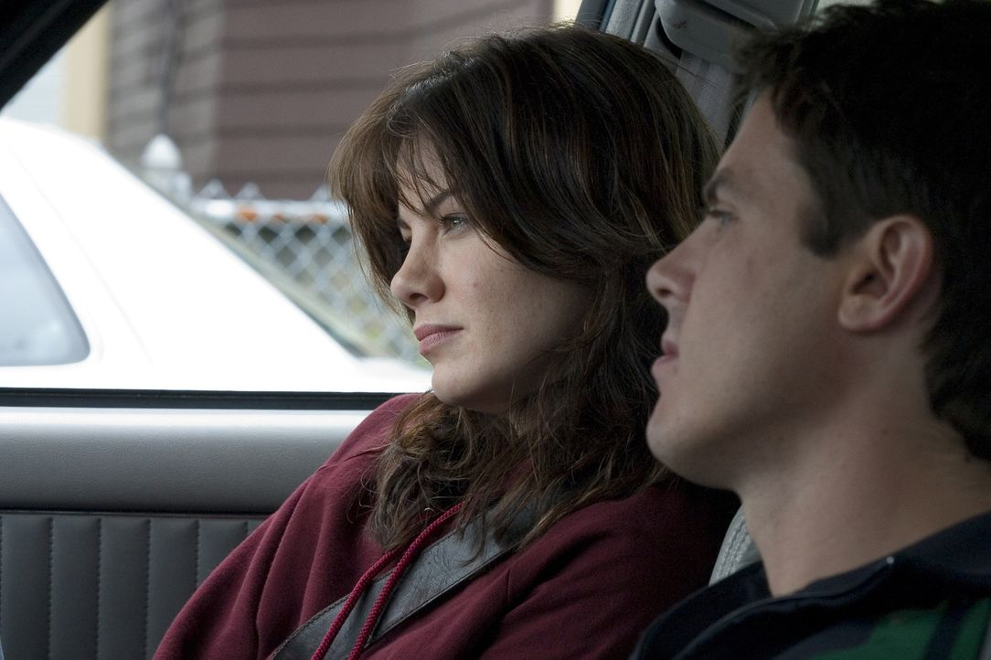 Patrick Kenzie (Casey Affleck, r.) und Angela Gennaro (Michelle Monaghan, l.) sind privat und beruflich ein Paar. Die beiden Privatdetektive leben u... - Bildquelle: Claire Folger 2006 Miramax Film Corp. All rights reserved