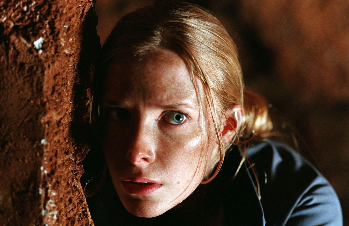 Bei einem Klettertrip in einer Berghöhle geraten Sarah (Shauna MacDonald) und ihre Freundinnen an ein Gruppe hungriger Kannibalen ... - Bildquelle: Square One Entertainment
