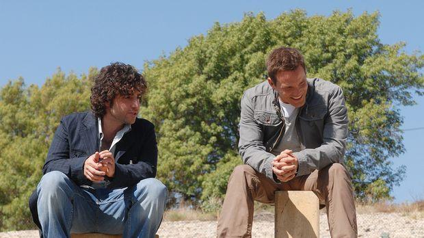 Männergespräche: Colby (Dylan Bruno, r.) und Charlie (David Krumholtz, l.) .....
