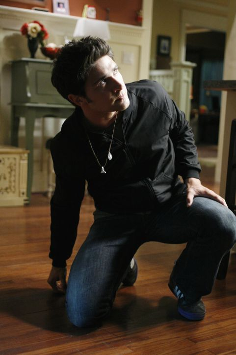 Kyle (Matt Dallas) erfährt von Cassidy, dass Latnok das Experiment von Adam Baylin weiterführen will. Mit allen Mitteln versucht er, dies zu verhi... - Bildquelle: TOUCHSTONE TELEVISION