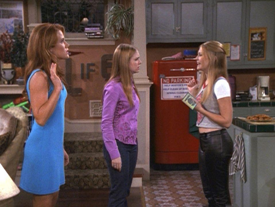 Sabrina (Melissa Joan Hart, r.) macht ihrer Zwillingsschwester Katharina (Melissa Joan Hart, M.) Vorwürfe, weil sie Morgan (Elisa Donovan, l.) ausg... - Bildquelle: Paramount Pictures