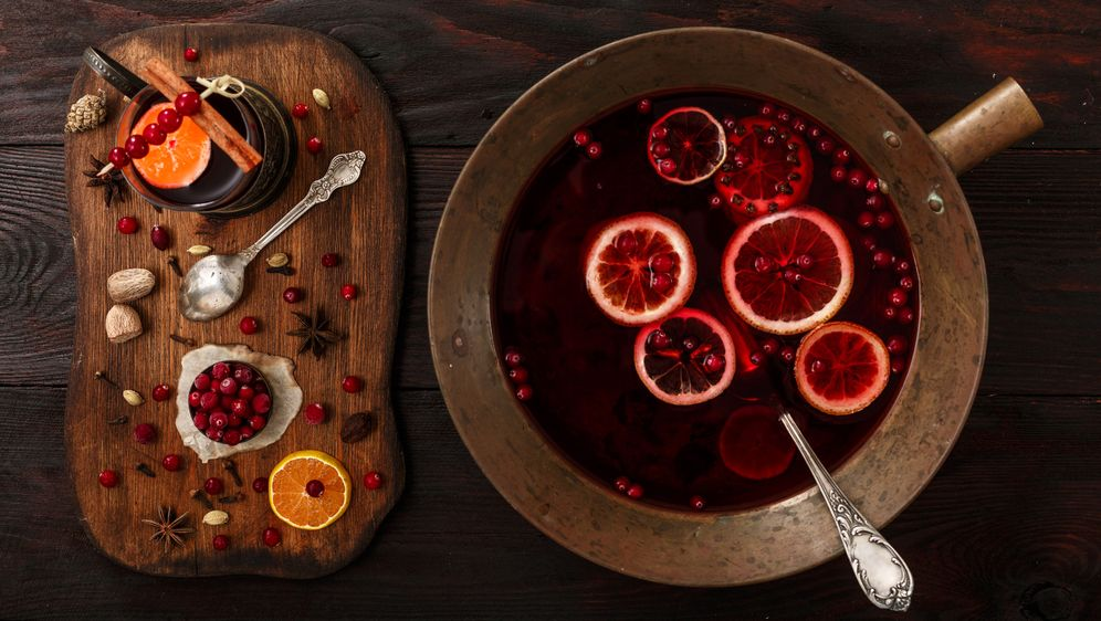 Silvesterbowle: Tolle Rezept-Ideen zum Nachmachen - Bildquelle: maxsol7 - Fotolia