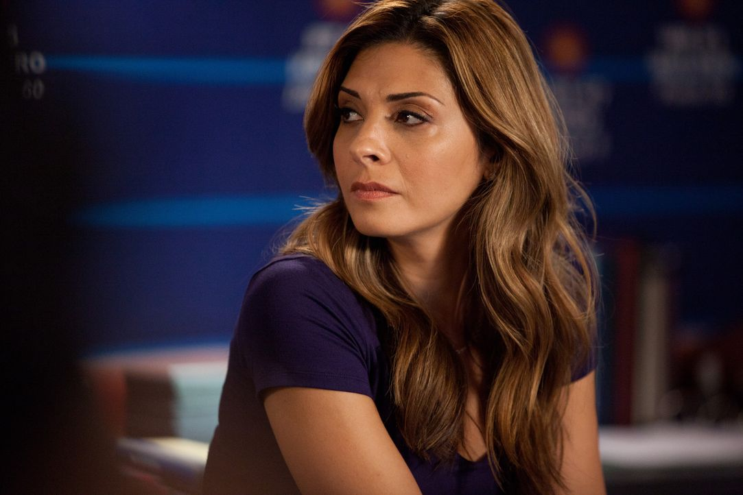 Kümmert sich um einen neuen Patienten: Dani (Callie Thorne) ... - Bildquelle: 2011 Sony Pictures Television Inc. and Universal Network Television LLC.  All Rights Reserved.