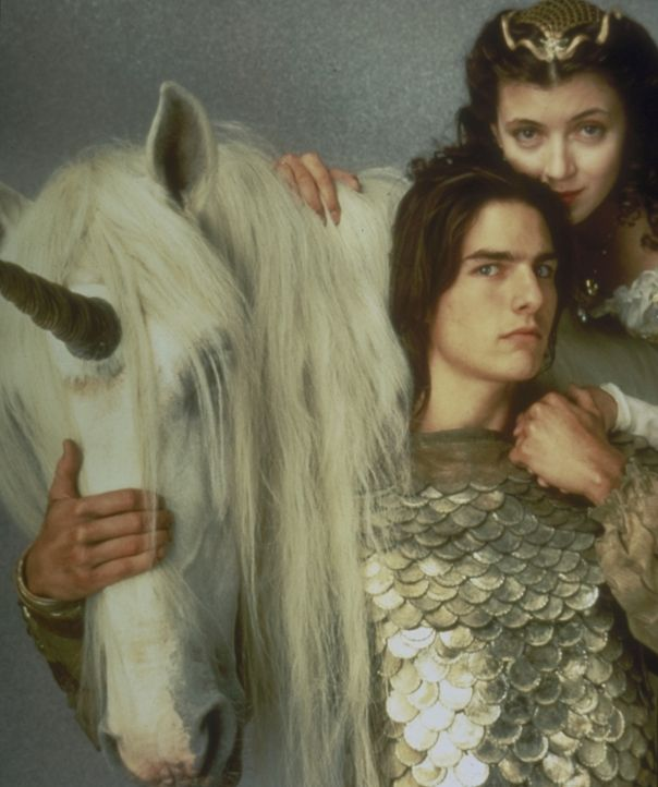 Der tapfere Jack (Tom Cruise, l.) und die schöne Prinzessin Lili (Mia Sara, r.) versuchen den Herrn der Finsternis daran zu hindern, das letzte Einh... - Bildquelle: Universal Pictures