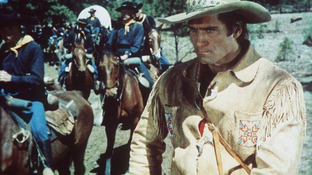 Der erfahrene Trapper Kelly (Clint Walker, r.) weigert sich, mit der Kavaller...