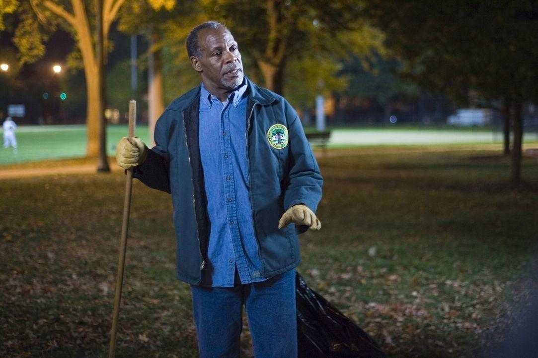Hofft auf einen Neuanfang mit seinem Sohn: Charlie Pratt (Danny Glover) ... - Bildquelle: Warner Bros. Television