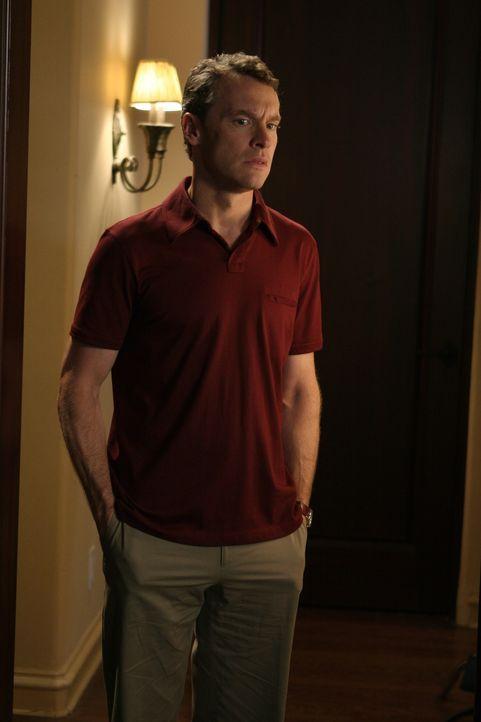 Jimmy (Tate Donovan) und Julie, die wieder ein Paar sind, machen sich große Sorgen um Marissa und Ryan. Während Jimmy jedoch nach einer neuen Schu... - Bildquelle: Warner Bros. Television