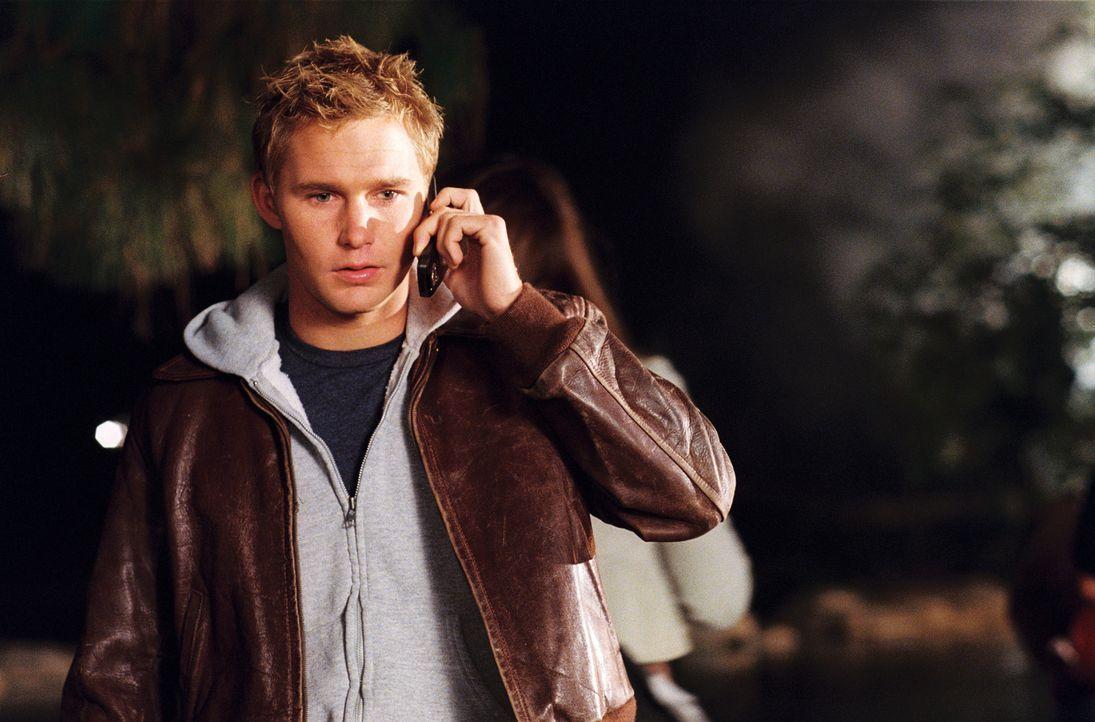 Als Jill im Haus ihrer Arbeitgeber seltsame Anrufe erhält, vermutet sie zunächst, dass sich ihr Freund Bobby (Brian Geraghty) einen schlechten Scher... - Bildquelle: 2006 Screen Gems, Inc. All Rights Reserved.