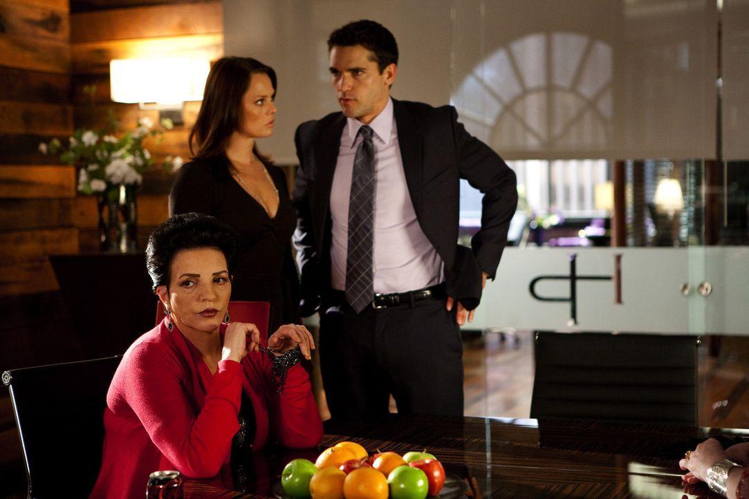 Grayson (Jackson Hurst, r.) hilft Kim (Kate Levering, l.) bei einem kniffeligen Fall. Es geht um die zwei ungleichen, hellsichtigen Schwestern Tessa... - Bildquelle: 2009 Sony Pictures Television Inc. All Rights Reserved.