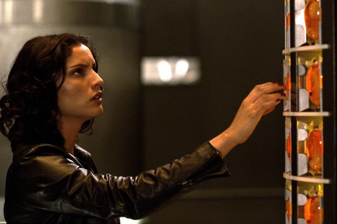 Will die Welt vor dem Untergang bewahren: Nyssa (Leonor Varela) ... - Bildquelle: New Line Cinema
