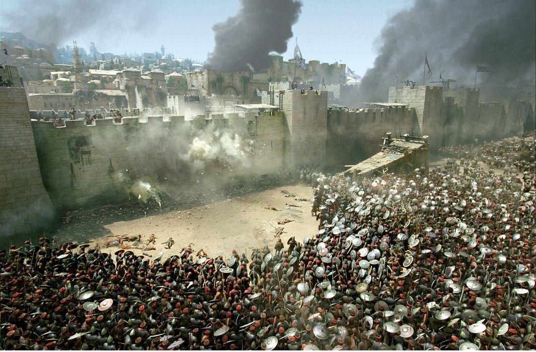 Einem derartigen Angriff durch Saladins Herr kann die Mauer nicht standhalten - Balian ist fassungslos ... - Bildquelle: David Appleby 2015 Fox and its related entities. All rights reserved.