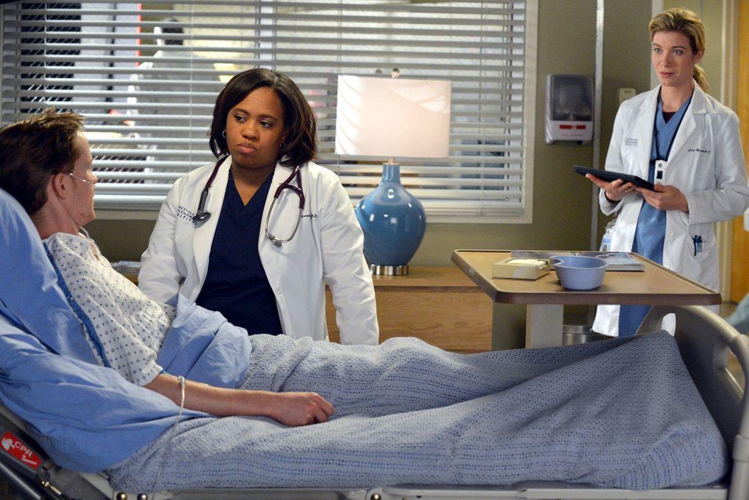 Eine Meinungsverschiedenheit über die Behandlung eines Patienten (Bryce Lee Townsend, l.) führt zum Streit zwischen Miranda Bailey (Chandra Wilson... - Bildquelle: ABC Studios