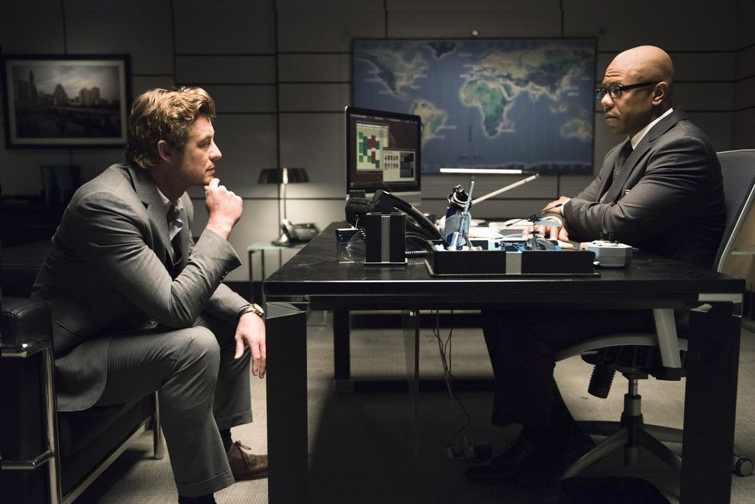 Die Karriere von FBI-Agent Dennis Abbott (Rockmond Dunbar, r.) steht auf dem Spiel. Um dessen Job und auch seine Freiheit zu retten, arbeitet Jane (... - Bildquelle: Warner Bros. Television