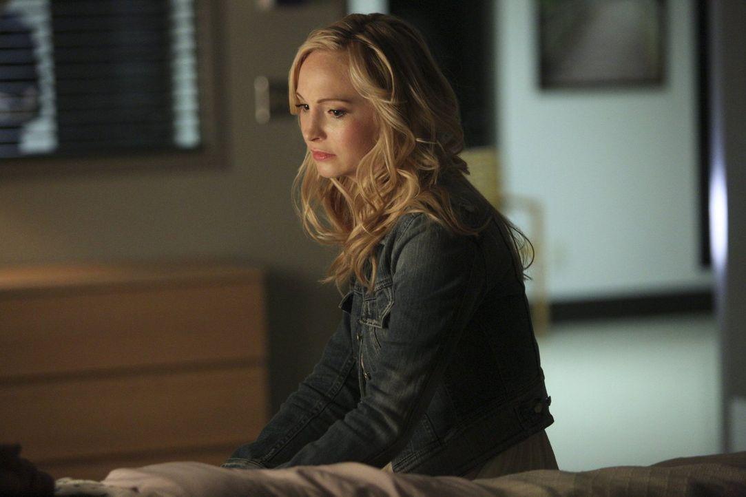 Während Caroline (Candice Accola) für ihre Mutter einen schönen Ort für ihre letzten Tag erschaffen will, geht es dieser immer schlechter ... - Bildquelle: Warner Bros. Entertainment, Inc