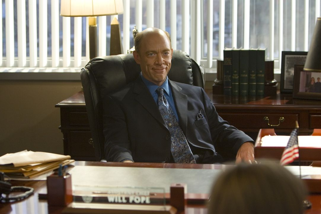 Als Brenda und Gabriel von ihrem grausigen Fund berichten, weiß Polizeichef Will Pope (J.K. Simmons) noch nicht, dass der Fall einige Überraschungen... - Bildquelle: Warner Brothers