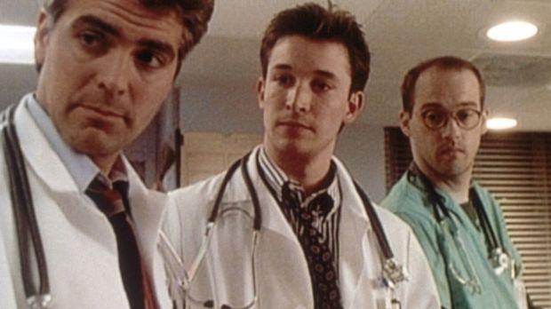 Wieder ein Tag voller Überraschungen für Ross (George Clooney, l.), Carter (N...
