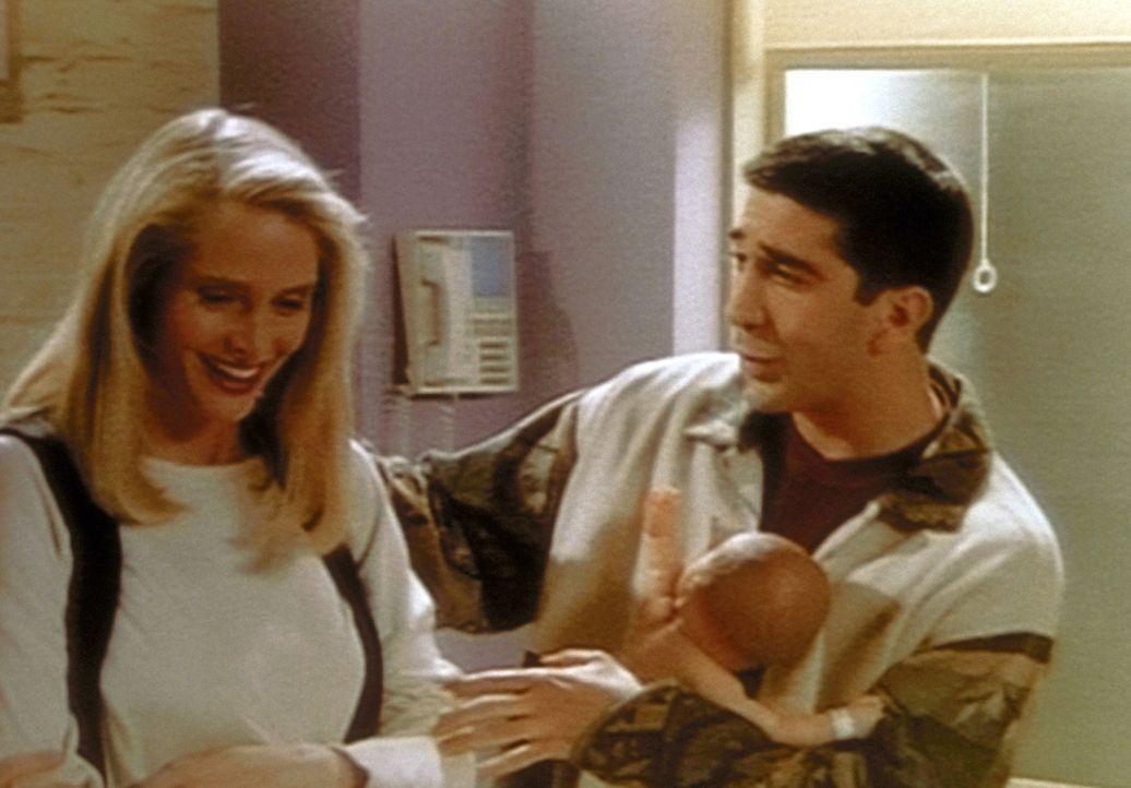Carol (Jane Sibbett, l.) und Ross (David Schwimmer, r.) bereiten sich in einer Schwangerschaftsgruppe auf die Elternschaft vor. - Bildquelle: TM+  2000 WARNER BROS.