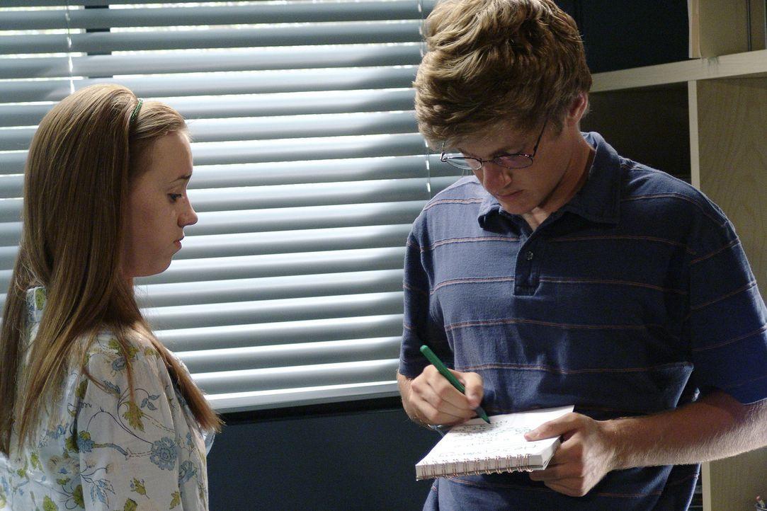 Nachdem Susan heraus gefunden hat, wo Zach (Cody Kasch, r.) ist, überredet sie Julie, ihm einen Besuch abzustatten. Doch gerade als Julie (Andrea B... - Bildquelle: Touchstone Pictures