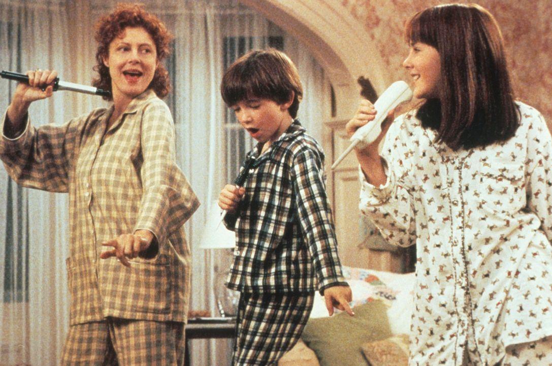 Zusammen sind sie unschlagbar: Jackie Harrison (Susan Sarandon, l.) mit ihren Kindern Ben (Liam Aiken, M.) und Anna (Jena Malone, r.). - Bildquelle: Columbia Pictures