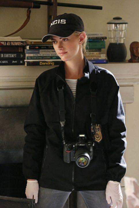 Ist den Drahtziehern des schmutzigen Schutzwesten-Geschäfts auf der Spur: Eleanor Bishop (Emily Wickersham) ... - Bildquelle: CBS Television