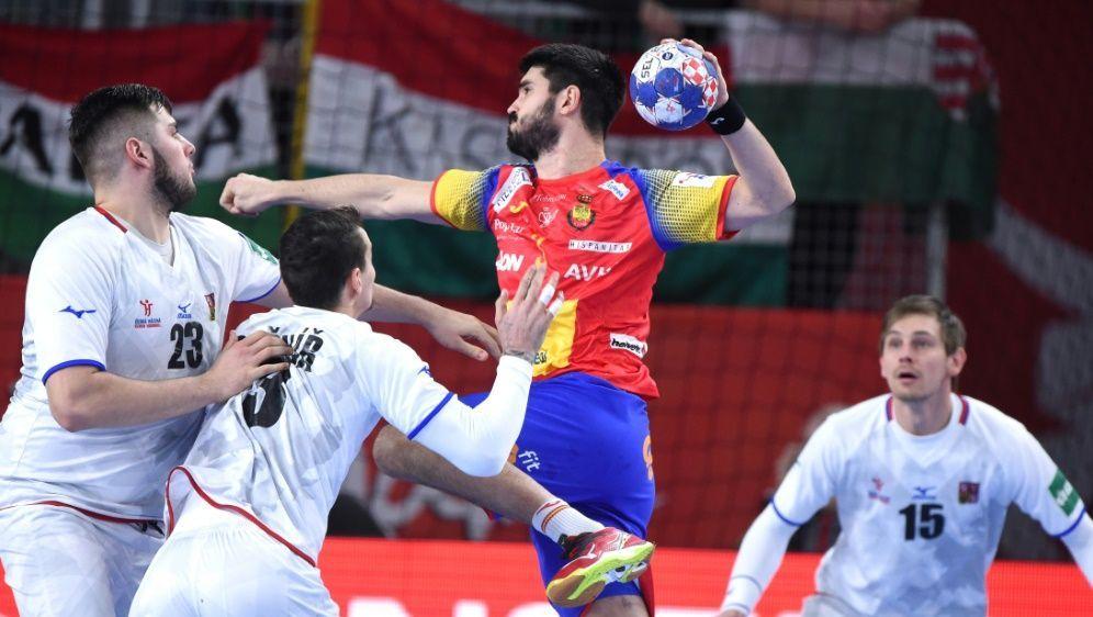 Spanier spielen überlegen gegen die Tschechen - Bildquelle: AFPSIDAttila KISBENEDEK