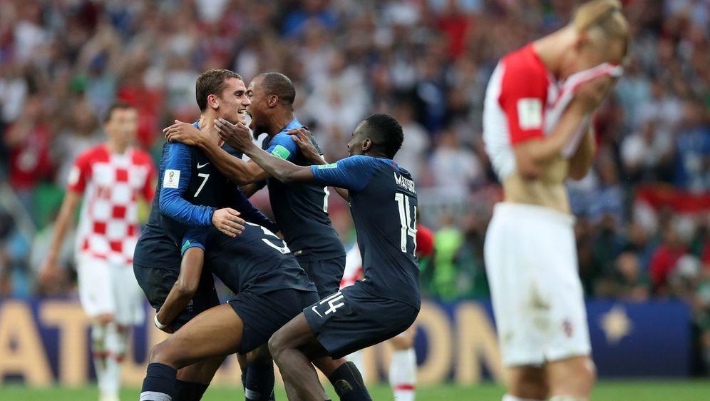 So jubelt der Weltmeister: Die Franzosen feiern ihren Finalerfolg über Kroat... - Bildquelle: Getty Images