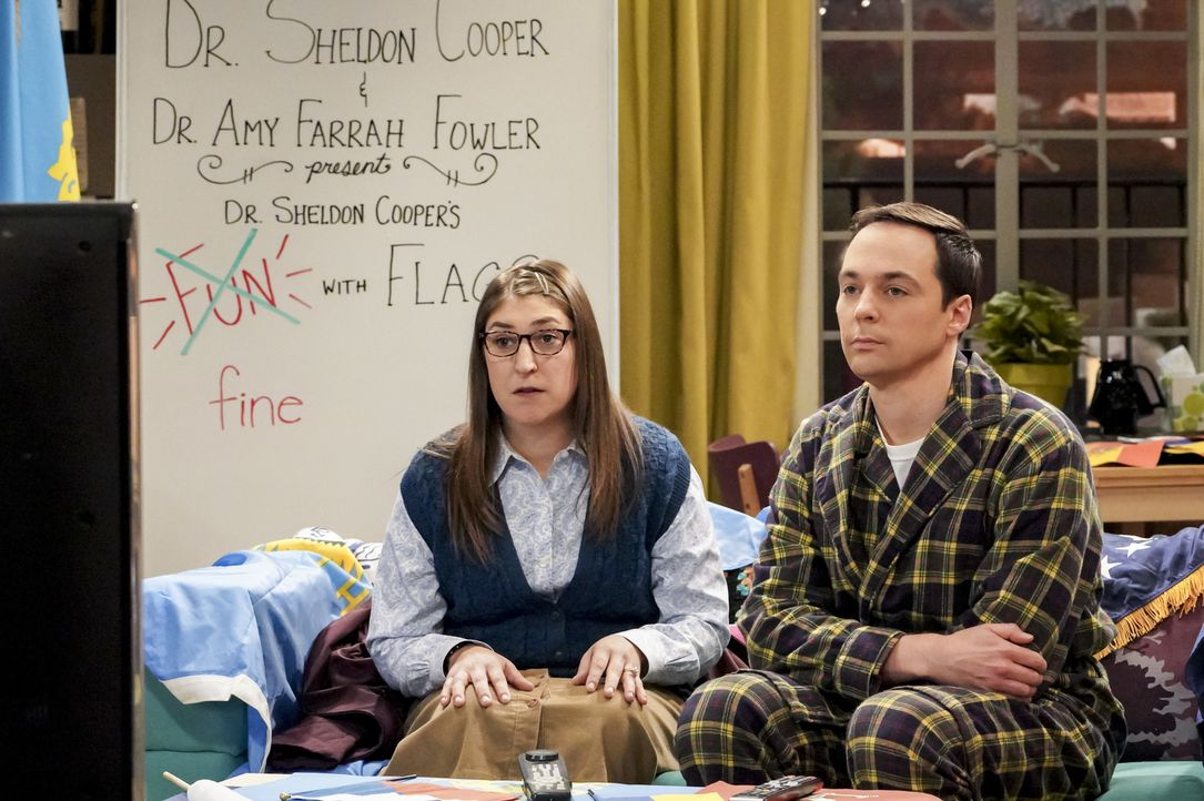 Amy (Mayim Bialik, l.); Sheldon (Jim Parsons, r.) - Bildquelle: Bill Inoshita 2018 CBS Broadcasting, Inc. All Rights Reserved/Bill Inoshita