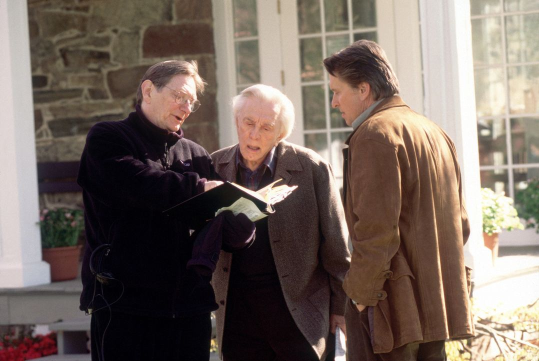 Regisseur Fred Schepisi, l. mit Kirk, M. und Michael Douglas, r. - Bildquelle: Andrew Schwartz Buena Vista International