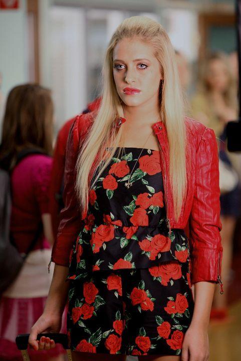 Tessa genießt es, Dalia (Carly Chaikin) damit vorzuführen, dass sich Scott Strauss für sie entschieden hat ... - Bildquelle: Warner Brothers