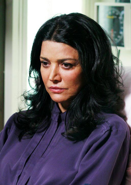Derek bekommt Besuch von einer Person, die ihm sehr nahe steht: Dr. Helen Crawford (Shohreh Aghdashloo) ... - Bildquelle: Touchstone Television