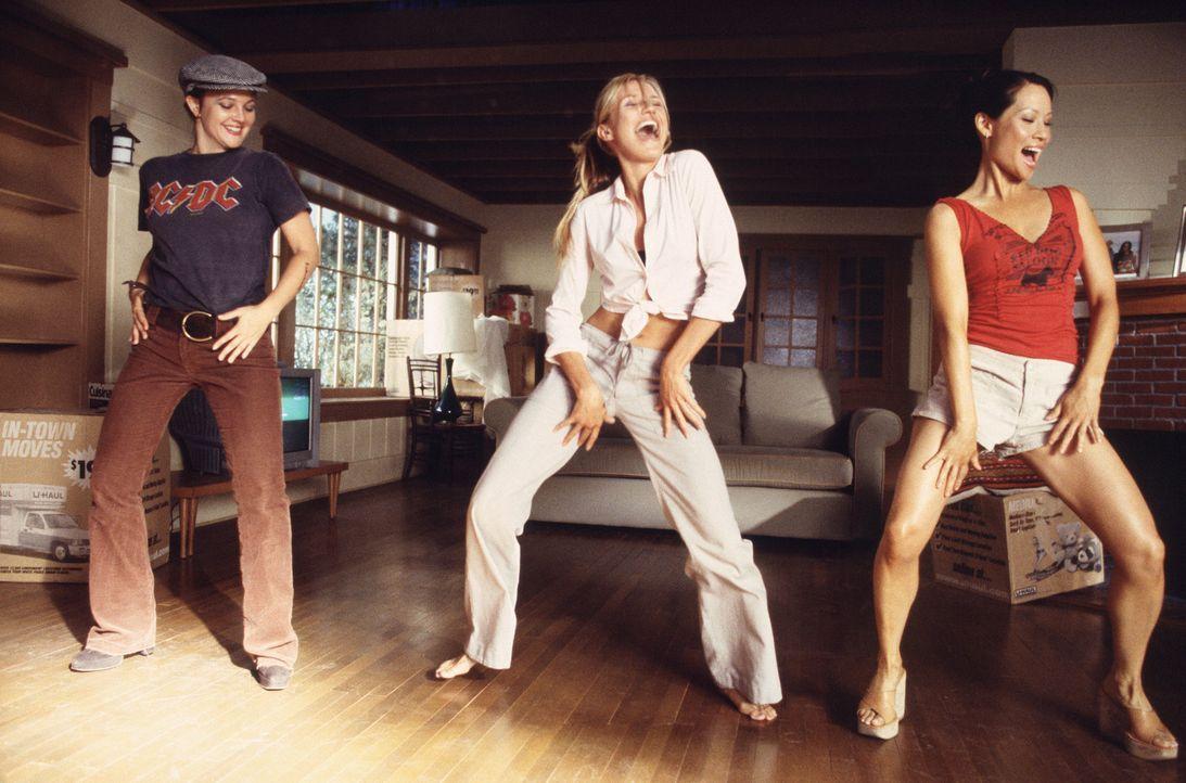 Ein bisschen Spaß muss sein: (v.l.n.r.) Dylan (Drew Barrymore), Natalie (Cameron Diaz) und Alex (Lucy Liu) ... - Bildquelle: Sony Pictures Television International. All Rights Reserved.
