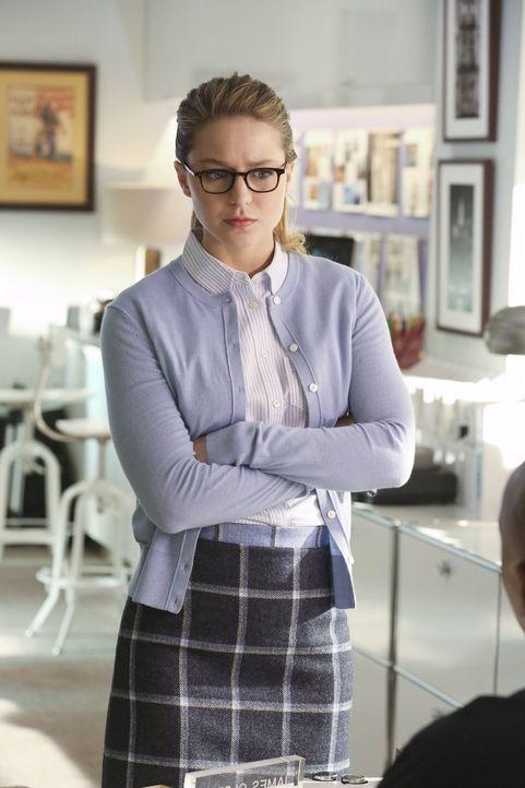 Kara alias Supergirl (Melissa Benoist) hat immer ein offenes Ohr für ihre Freunde. Als sie jedoch mit rotem Kryptonit in Berührung kommt, wendet sie... - Bildquelle: 2015 Warner Bros. Entertainment, Inc.