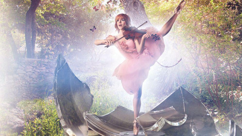 "Lindsey Stirling mit ihrem neuen Album ""Shatter Me"""