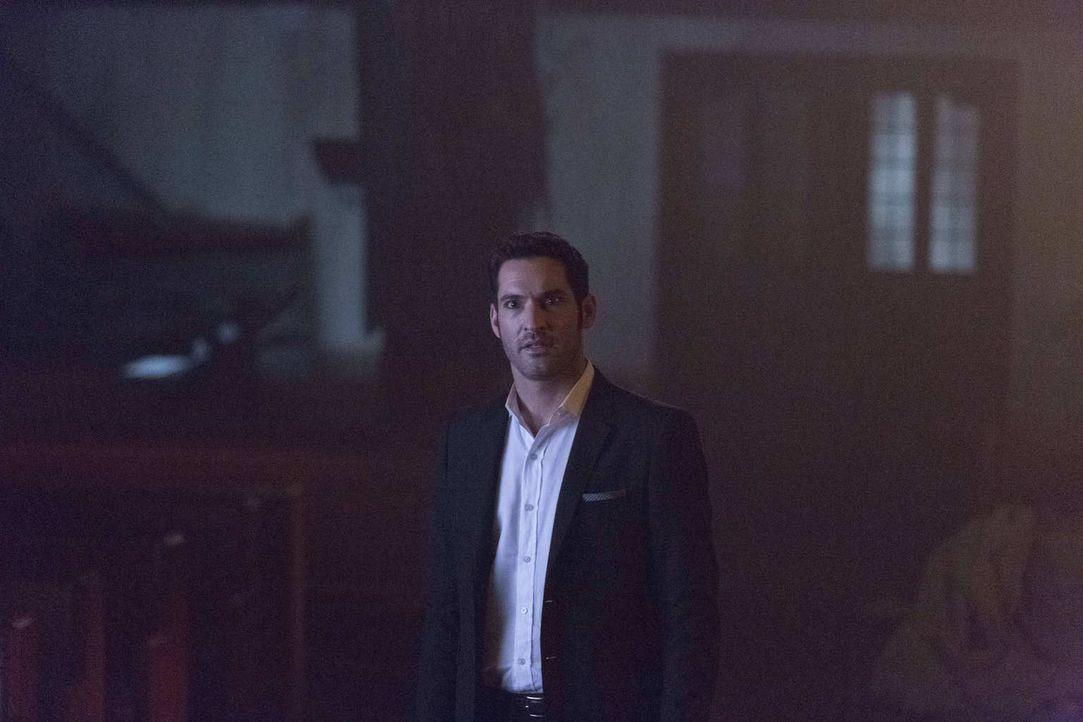 Wird Lucifer (Tom Ellis) erkennen, dass sein Bruder Amenadiel nicht mehr der Engel ist, der er mal war? - Bildquelle: 2016 Warner Brothers