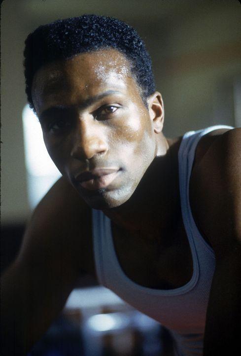 Der Jamaikaner Derice (Leon Robinson) hat ein großes Ziel: Er will, wie einst sein Vater, bei einer Olympiade um Medaillen sprinten. Doch als Deric... - Bildquelle: Disney