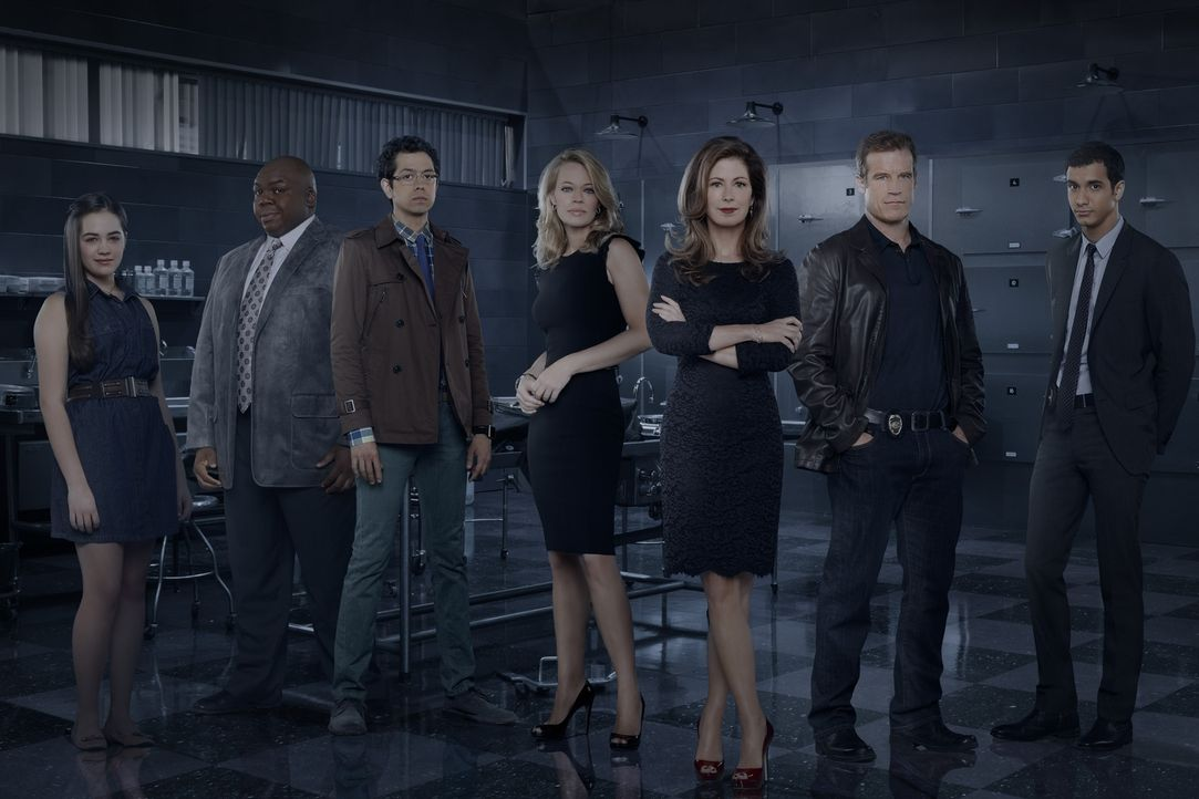 """(3. Staffel) - """"Body of Proof"""" (v.l.n.r.) Lacey Fleming (Mary Mouser), Dr. Curtis Brumfield (Windell D. Middlebrooks), Dr. Ethan Gross (Geoffrey Are... - Bildquelle: ABC Studios"""