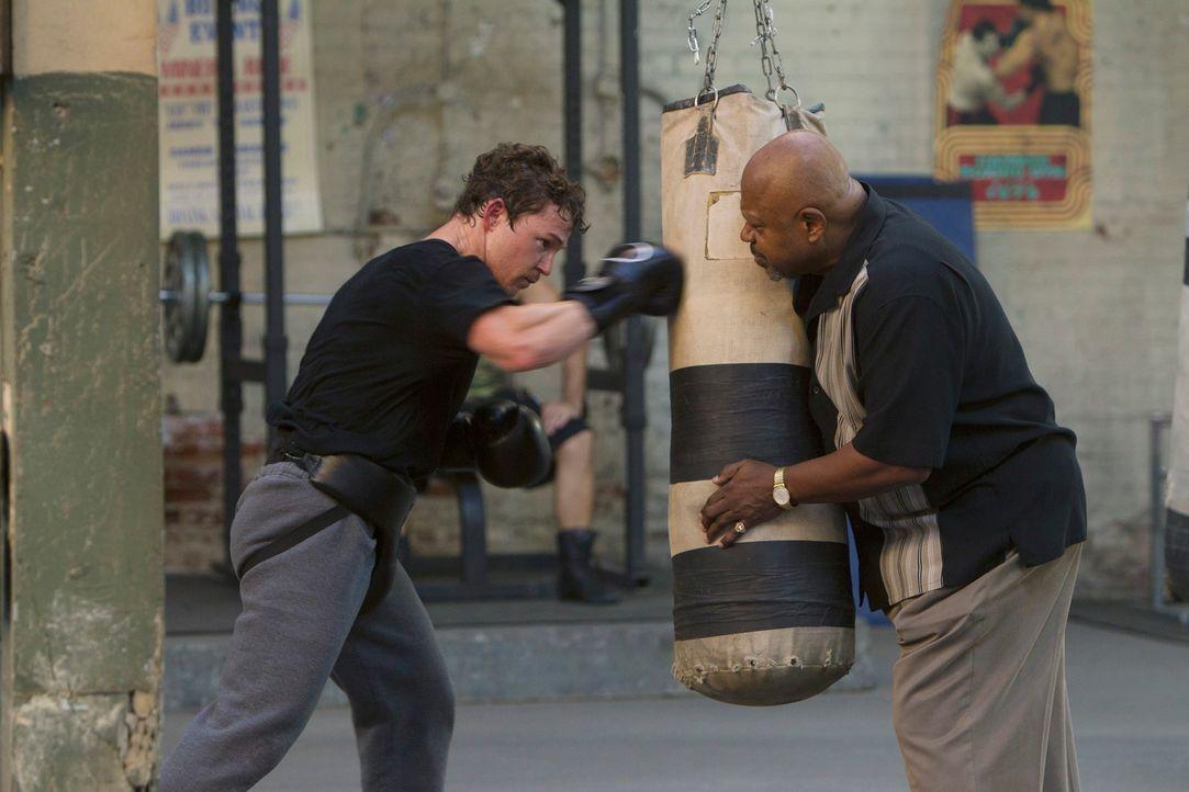 Hotch und sein Team werden nach Philadelphia gerufen, um eine Serie brutaler Morde zu untersuchen und gerät auf der Suche nach dem Mörder in die Box... - Bildquelle: ABC Studios