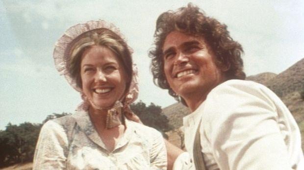 Caroline (Karen Grassle, l.) und Charles Ingalls (Michael Landon, r.) sind gl...