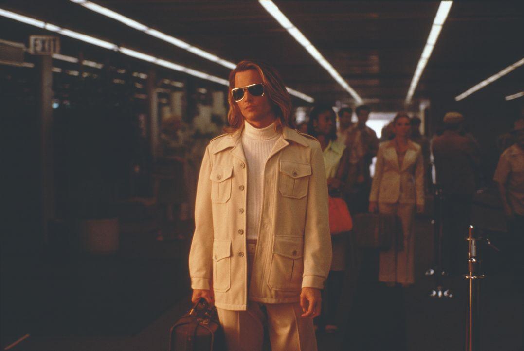 Nach seiner Knast-Entlassung beginnt George Jung (Johnny Depp), im großen Stil Kokain für den mächtigen Drogenboss Pablo Escobar in die USA einzufli... - Bildquelle: New Line Cinema