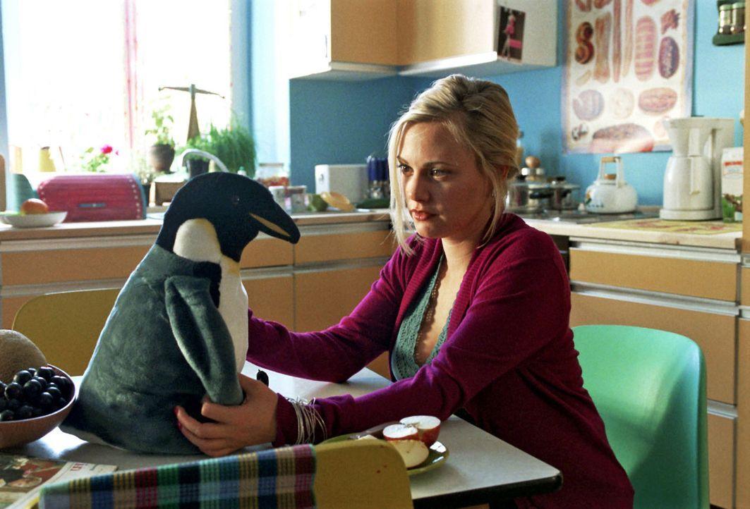 Johanna (Eva Hassmann) denkt wehmütig an ihre Tochter Luzie. - Bildquelle: Aki Pfeiffer Sat.1