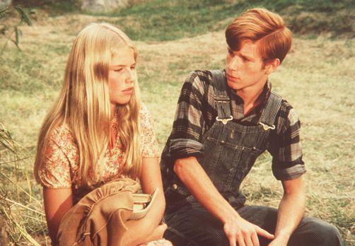 Die Waltons - Nancy Maddens (Cindy Fisher, l.) Mutter ging fort, als Nancy no...