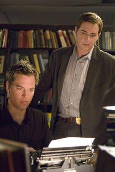 Entsetzt muss McGee (Sean Murray, r.) feststellen, dass jemand den Petty Offi...