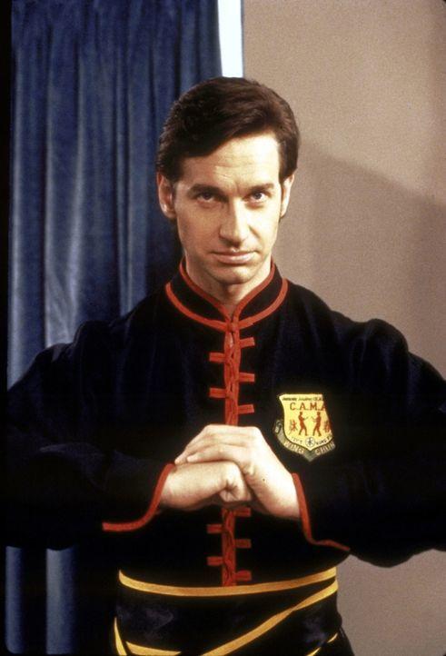 Pool (Paul Feig), Sabrinas Biologielehrer, ist ein begeisterter Kung-Fu-Sportler ... - Bildquelle: Paramount